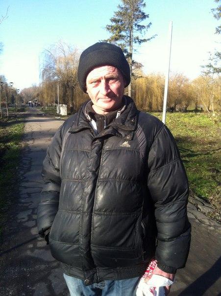 Василь, 47 років не працює
